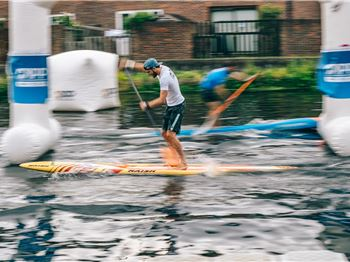 Casper Steinfath Pushes Through Injury for APP Podium - Stand Up Paddle News